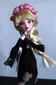 https://flic.kr/p/UQpEPU | Rose - custom OOAK Monster High Doll repaint | www.etsy.com/uk/listing/534641265/rose-custom-ooak-monste...