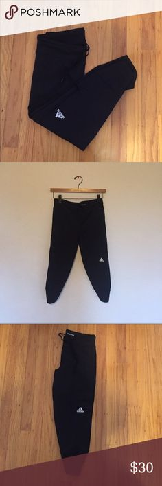 Adidas Cropped Leggings with Drawstring Adidas Cropped Leggings with Drawstring. Great for workouts or wearing everyday! Stretch material so it can fit XS-S! **NO TRADES** Adidas Pants Leggings Soccer Outfits, Adidas Pants, Fashion Design, Fashion Tips, Fashion Trends, Black Adidas, Adidas Women, Workouts, Black Jeans