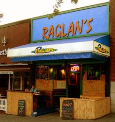 Raglan's. N. Van. Great drinks, great burger, great breakfast. Vancouver Photos, North Vancouver, Lovers And Friends, Trip Advisor, Drinks, Breakfast, Places, Breakfast Cafe, Lugares