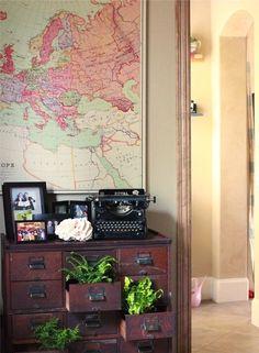 Een ode aan de archiefkast als decoratiestuk Roomed | roomed.nl