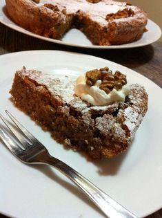 Ovaj jednostavan kolač od oraha koji se priprema sa samo 3 sastojka ostaviti će vas bez teksta. Intenzivan orašast okus, gotovo krema...