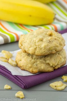 Banana Nut Bread Cookies - Soft-baked and simple banana nut cookies. In less than 30 minutes you can have cookies that taste just like banana nut bread!