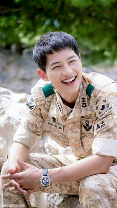 Descendants Of The Sun - Captain Yoo Si Jin