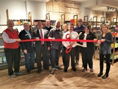 On Friday, December 16, the Park Ridge Chamber of Commerce held a ribbon cutting for one of the newest businesses in Park Ridge – Beer on the Wall.