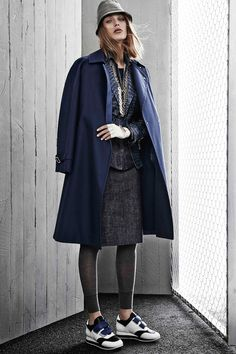 http://www.fashionsnap.com/collection/max-mara/2015ss-pre/gallery/index4.php