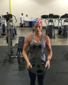 Declaration of InDELTpendence  Superset- repeat 4 times total 10 shoulder bombs 10 front raises 10 crawl ups - I only recorded 5 of each for timing purposes  - YouTube: bowmar fitness Snapchat: sarahbowmar Twitter: sarahbowmar_ Website: bowmarfitness.com - PS- this is only a portion of my shoulder workout. If you need full workouts, checkout my YouTube channel and website - #fitness #sarahbowmar #bowmarfitness #shoulders