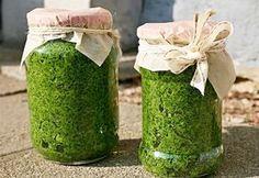 Pesto z libečku Vegetarian Dinners, Vegan Vegetarian, Clean Recipes, Snack Recipes, Pesto Dip, Home Canning, Natural Antibiotics, Home Food, Kraut