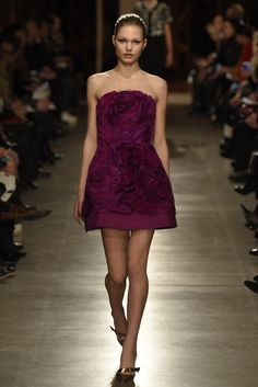 Oscar de la Renta RTW Fall 2015 - Slideshow - Runway, Fashion Week, Fashion Shows, Reviews and Fashion Images - WWD.com
