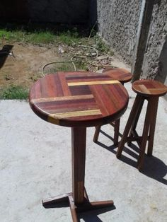 Promoção Mesa Bistro de madeira com Bancos tudo em Marchetaria 987839682