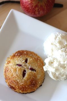 Mini cranberry apple pie recipe, perfect dessert for Thanksgiving! See more recipes and party ideas at CatchMyParty.com.