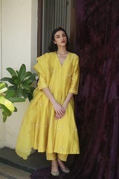 Yellow Hand Embroidered Chanderi Silk Kurta with Pants and Organza Silk Scalloped Dupatta- Set of 3 Pakistani Fashion Casual, Pakistani Dresses Casual, Indian Fashion Dresses, Pakistani Dress Design, Salwar Designs, Kurta Designs Women, Blouse Designs, Silk Kurti Designs, Salwar Kameez