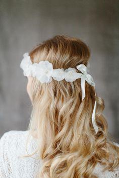 Seidenblüten+Haarband+für+die+Braut+Anna+von+BelleJulie+by+Brautzauber+auf+DaWanda.com