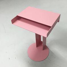 """""""In Love with the pink @newtendency Meta table #newtendency #pink #germandesign"""""""