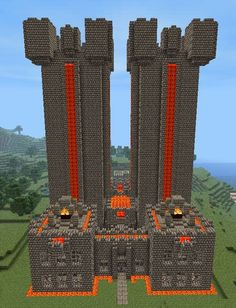 What a beautiful caslte made in #Minecraft ! Some great designs there :D #Geek #art