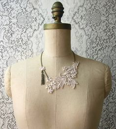 not sure if this necklace would match my dress.. but i'm pinning it anyway :)