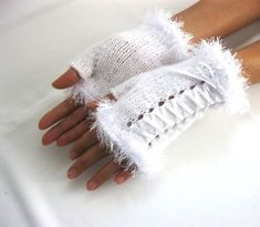 Little White Mohair Fingerless Gloves by Rumina on Etsy - Knitting 2019 - 2020 Crochet Gloves Pattern, Crochet Mittens, Knitting Patterns, Mode Crochet, Fingerless Gloves Knitted, Creation Couture, Wrist Warmers, Crochet Accessories, Etsy