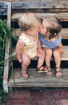 Trendy baby first pictures smile Baby Kostüm, Baby Kind, Baby Love, Precious Children, Beautiful Children, Beautiful Babies, Children Kissing, Beautiful Couple, Little People
