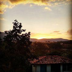 E assim mais um dia se vai... #sun #montain #sabado #loveintheair #pachamama #obrigado by ohigoralmeida
