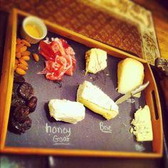 DIY chalkboard cheese plate everything-pretty.com & Chalkboard cheese plate: Cane de Cabra a creamy goat\u0027s milk cheese ...