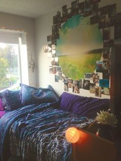 A place for college students to get decoration inspiration, advice, and showcase their own dorm. Dorm Design, Interior Design, Small Space Living, Small Spaces, Cool Dorm Rooms, Dorm Walls, Dorm Life, College Life, Dorm Decorations
