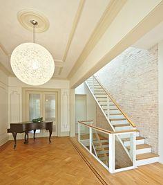 Jordan Parnass Digital (?) Architecture's Park Slope Townhouse stair