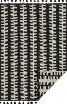 Justina Blakeney Kahelo Lines Reversible Rug Black - Best Rugs - Ideas of Best Rugs - Designed by the vibrant bohemian designer and New York Times best-selling author Justina Blakeney these rugs are an artful expression of her colorful and wild style. Diy Carpet, Rugs On Carpet, Carpet Decor, Carpet Ideas, Black And Grey Rugs, Gray, Justina Blakeney, Textiles, Wild Style