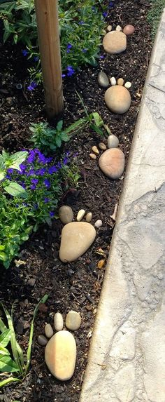 30 Creative Decorative Landscape Curbing Ideas Foot steps on the garden! Great way to curb up the garden landscape The post 30 Creative Decorative Landscape Curbing Ideas appeared first on Garden Easy. Garden Yard Ideas, Diy Garden, Garden Crafts, Spring Garden, Garden Projects, Garden Pots, Backyard Ideas, Garden Stones, Winter Garden
