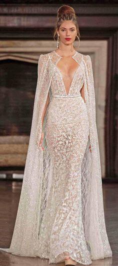 Vestidos de boda atractivos de la foto verdadera con el cabo 2017 broche nupcial del spagetti de la berta tren profundo del v