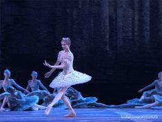 balletomanegirl:  sfpirouette:  Svetlana Zakharova  Stolen gif!!!!!!!!!