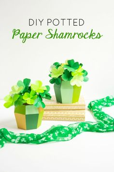 Make these gorgeous paper shamrock centerpieces for St. Patrick's Day with this simple tutorial!
