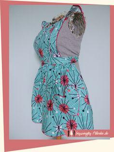 Schürze Ruth mit Anleitung und kostenlosem Schnittmuster zum selbst nähen. Frauenschürze im Stil der 40er/50er Jahre - free Apron pattern in 40s 50s style