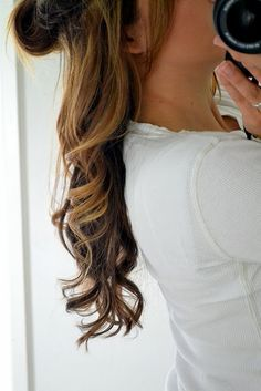 How to Curl Your Hair: Wavy Curls - beauty care, Best Of, DIY, style, Tutorials - Little Miss Momma