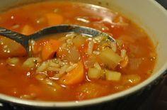 Recette : Soupe au chou et aux tomates. Soup Recipes, Cooking Recipes, Healthy Recipes, Cooking Chef, Recipies, Reb Lobster, Plats Weight Watchers, Cuisine Diverse, Food 101