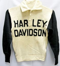 Vintage This plus a harley would be nice Vintage Leather Jacket, Men's Leather Jacket, Leather Jackets, Motorcycle Style, Motorcycle Outfit, Motorcycle Fashion, Vintage Jerseys, Vintage Shirts, Harley Davidson Vintage