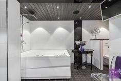 Moderni kylpyhuone, Etuovi.com Asunnot, 55d70837e4b0c08a256326d6 - Etuovi.com Sisustus Toilet, Bathtub, Bathroom, Standing Bath, Washroom, Flush Toilet, Bathtubs, Bath Tube, Full Bath