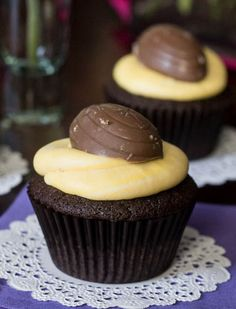 Cadbury Creme Egg Easter Cupcakes