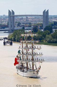 Bordeaux & the elevating bridge - Gironde, France