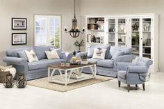 Klasyczne sofy w delikatnych i jasnych tkaninach stworzą niepowtarzalny klimat naszego salonu.