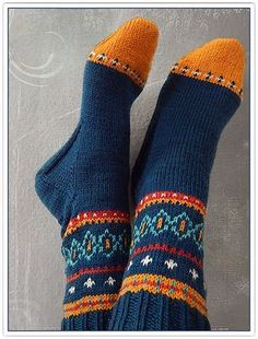 Ravelry: millefleurs' color…please! Ravelry: millefleurs' color…please! Crochet Socks, Knit Mittens, Knit Or Crochet, Knitting Socks, Hand Knitting, Knitted Hats, Knitting Patterns, Little Cotton Rabbits, Sock Toys