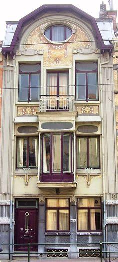 | ♕ |  Maison Art Nouveau, architecte Paul Cauchie (1912 ) - avenue de la Chasse, 141 à Etterbeek (Bruxelles)