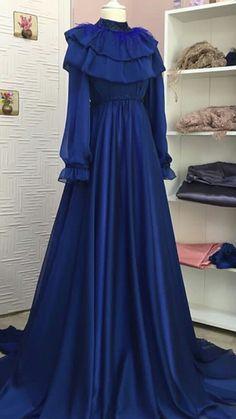 Stylish Dress Designs, Designs For Dresses, Stylish Dresses, Women's Fashion Dresses, Cute Dresses, Beautiful Dresses, Hijab Evening Dress, Hijab Dress Party, Hijab Style Dress