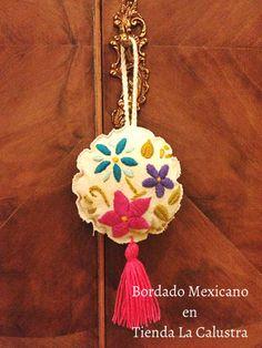 Resultado de imagen para bordado mexicano en lana