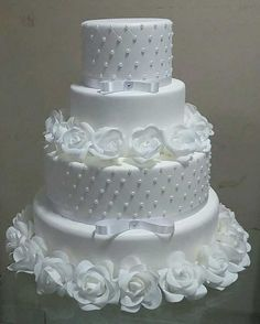 Fancy Wedding Cakes, Amazing Wedding Cakes, Wedding Cake Decorations, Wedding Cakes With Flowers, Wedding Cake Designs, Fancy Cakes, Cute Cakes, Cake Decorating Techniques, Cake Decorating Tips