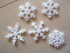 Snowflakes hama perler by smillavannilla