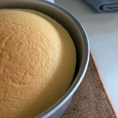 My Mind Patch: Japanese Velvety Cheesecake 日式轻乳酪蛋糕 Japanese Cotton Cheesecake, Japanese Cheesecake Recipes, Bread Recipes, Baking Recipes, Persimmon Recipes, Japanese Cake, No Bake Desserts, Smooth Face, Healthy Eating