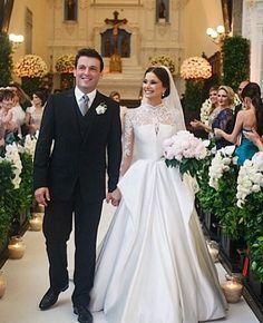 Wedding dress by Wanda Borges