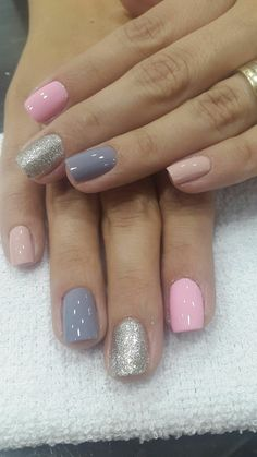On average, the finger nails grow from 3 to millimeters per month. If it is difficult to change their growth rate, however, it is possible to cheat on their appearance and length through false nails. Fabulous Nails, Perfect Nails, Gorgeous Nails, Fancy Nails, Love Nails, My Nails, Pink Shellac Nails, Pink Grey Nails, Purple Nail Polish