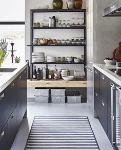 Your kitchen tells more about you than you know. Show off your personality and display all of your favourite belongings - they make you, YOU ✨ #housedoctordk