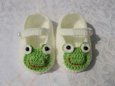 Baby shoes baby booties frog booties Handmade No.2. $7.80, via Etsy.