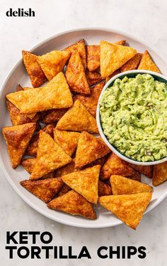 Keto Tortilla Chips We Could Snack On All Day. Delish Keto Tortilla Chips have just two main ingredients and are so simple to make when that craving hits. Ketogenic Recipes, Low Carb Recipes, Diet Recipes, Healthy Recipes, Dessert Recipes, Breakfast Recipes, Healthy Chips, Soup Recipes, Chili Recipes